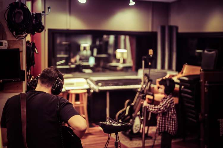 Writing a song is like making a new friend: Free songwriting course from Berklee