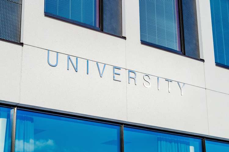 Open University to be 'first university of the cloud'